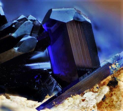 Azurit- Cristale naturale - Pietre semipretioase