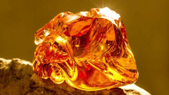 Chihlimbar - Cristale naturale - Pietre semipretioase