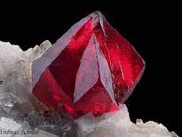 Cinabru - Cristale naturale - Pietre semipretioase