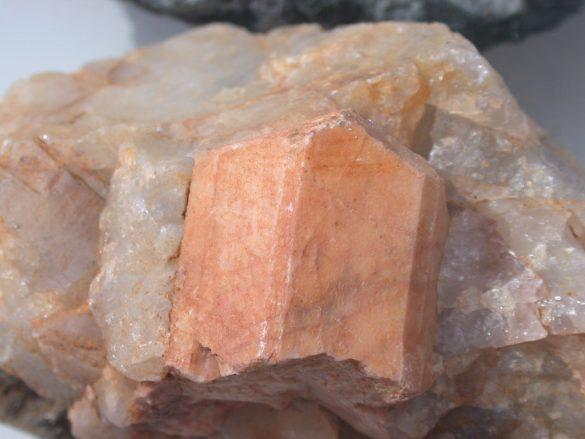 Feldspat - Cristale naturale - Pietre semipretioase