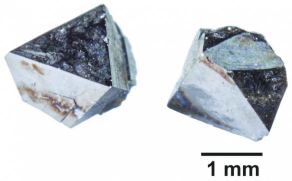 Magnetit - Cristale naturale - Pietre semipretioase