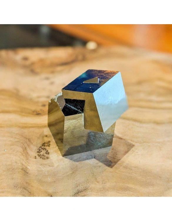 Pirita - Cristale naturale - Pietre semipretioase