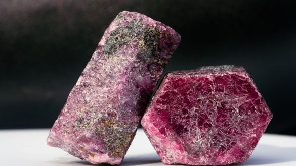 Rubin - Cristale naturale - Pietre semipretioase