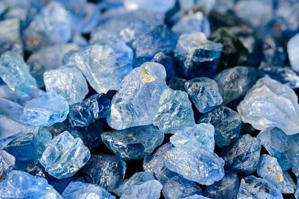Safir - Cristale naturale - Pietre semipretioase