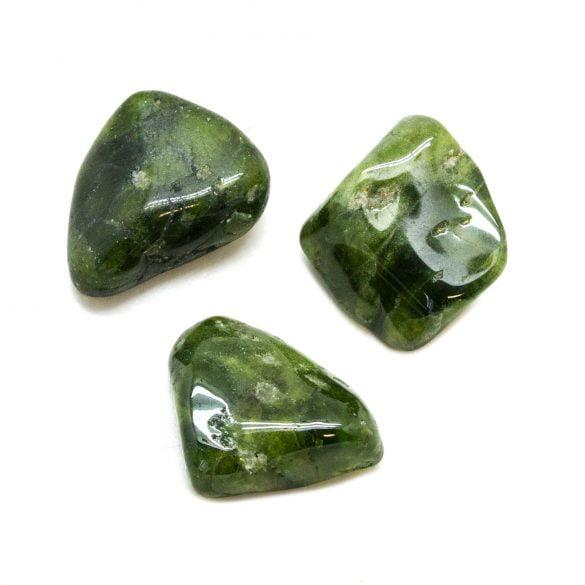 Vezuvianit - Cristale naturale - Pietre semipretioase